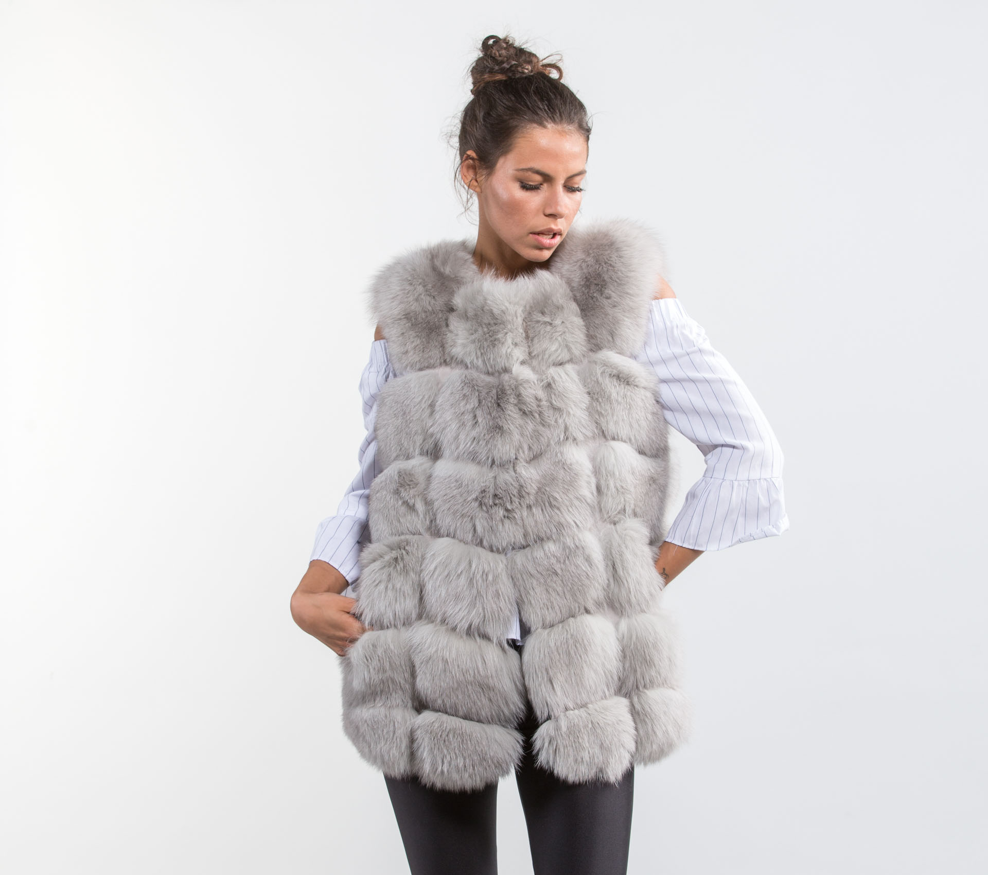 Real fox fur coats, jackets & fox fur vest, made of % high-quality fox fur. Worldwide Shipping! Step inside to check all offers and deals!