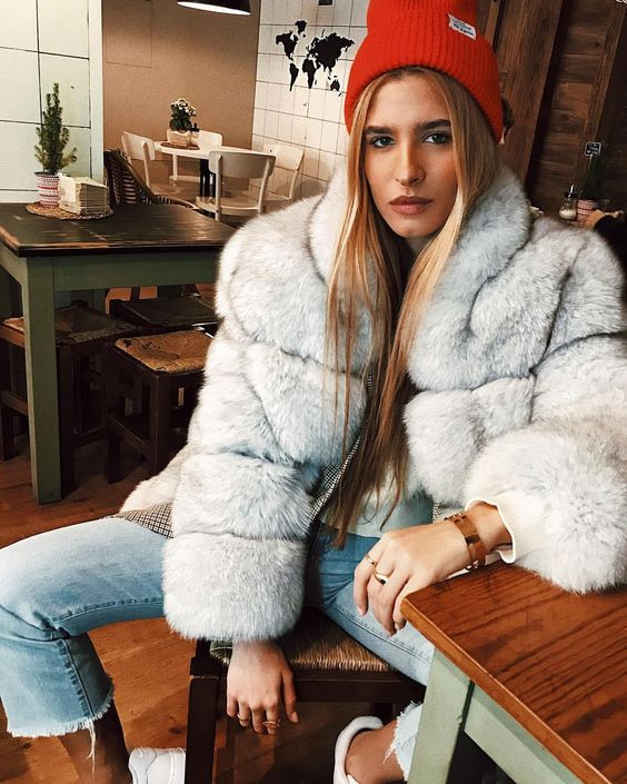 To Rock The Fluffy Fur Coat This Winter, White Fox Fur Coat Outfit