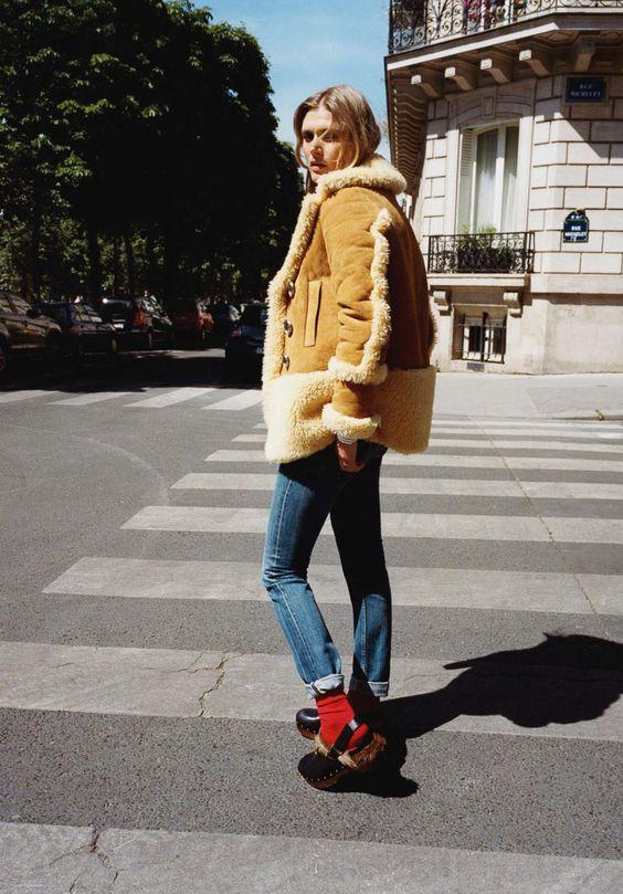 How to wear the sheepskin jacket this fall season - Haute Acorn